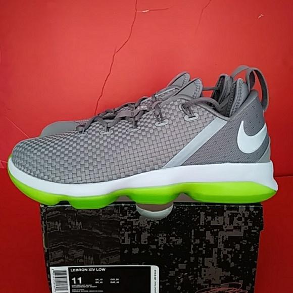 sports shoes 3b68e d513a BRAND NEW NIKE LEBRON BASKETBALL SNEAKER